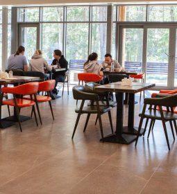 В эко-отеле «Актер-Руза» открылся новый, просторный зал рациона шведского питания!